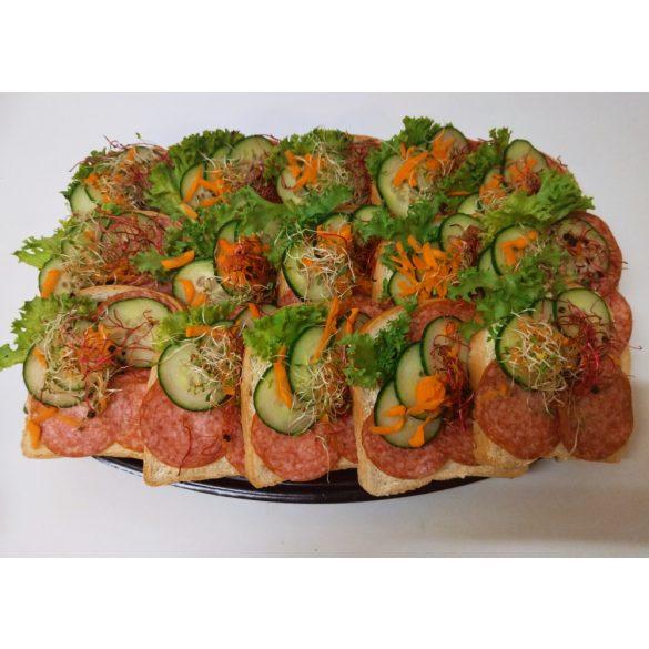 Szalámis party szendvics